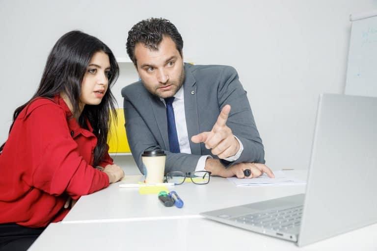 الشرح بدون طلب من أشهر أنواع التمييز ضد المرأة في العمل