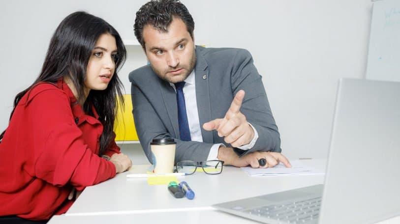 6 أشكال من التمييز قد تتعرضين لها في العمل