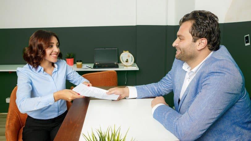 7 علامات لاجتياز مقابلة العمل بنجاح