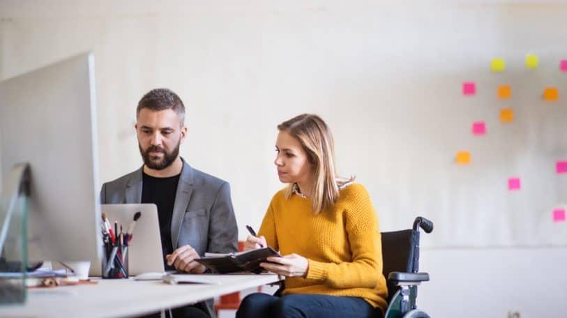 كيفية التعامل مع زملاء العمل من ذوي القدرات الخاصة