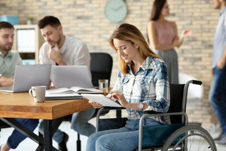 مسارات تشارك في ملتقي نقدر لتوظيف ذوي القدرات الخاصة