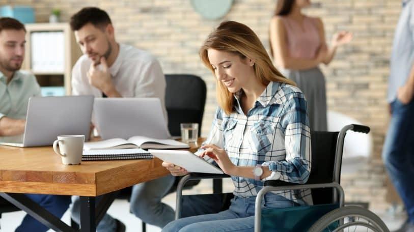 مسارات تشارك في ملتقىنقدر لتوظيف ذوي القدرات الخاصة