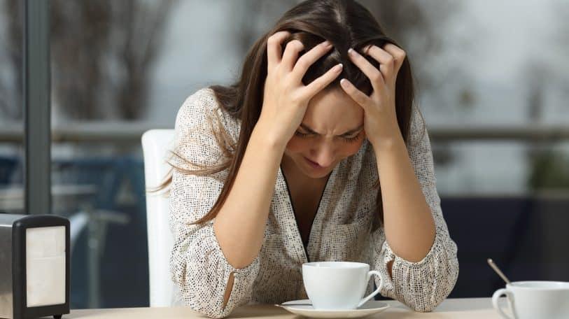 من الإنبوكس: زوجي مغترب للعمل .. كيف أحافظ على علاقتنا؟