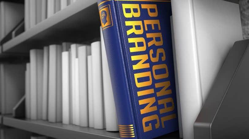 """5 كتب يقدمون """"الخلاصة"""" في التسويق الشخصي"""