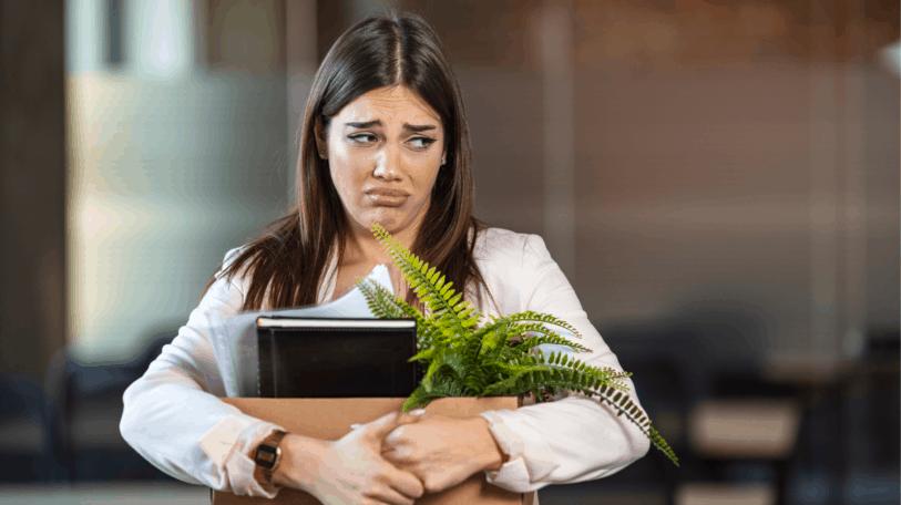 كيف تتجاوز الألم النفسي لفقدان وظيفتك؟